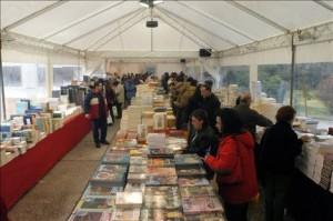 Παζάρι βιβλίου στην Κλαυθμώνος