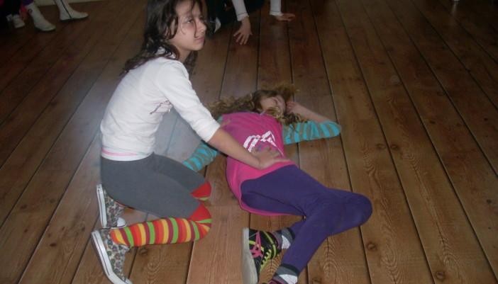 Tα παιδιά χορεύουν….