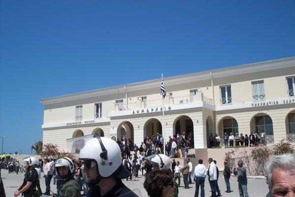 Επεισοδιακή η επίσκεψη του Πρωθυπουργού στη Λευκάδα
