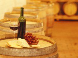 Λίγο κρασί, λίγο θάλασσα…και ο οινοτουρισμός στις δόξες του!