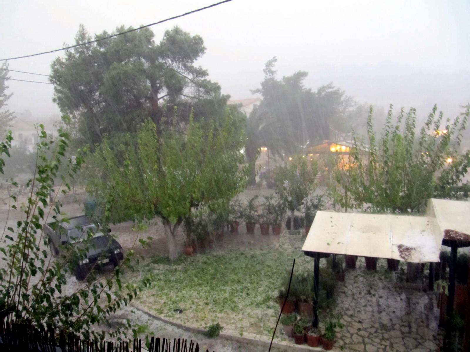 Ακραία καιρικά φαινόμενα στο Μεγανήσι (4η ενημέρωση)
