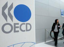 ΟΟΣΑ: Οι Έλληνες δουλεύουν 40% περισσότερο από τους Γερμανούς