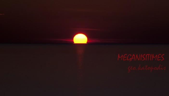 Ξεχωριστό το ηλιοβασίλεμα στο Μεγανήσι