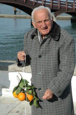 Το «έθιμο των πορτοκαλιών» στην Λευκάδα