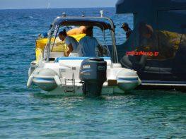 Προσάραξη θαλαμηγού στην παραλία στο Κάστρο της Λευκάδας, άμεση βοήθεια από Μεγανήσι