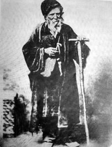 11-foto-tou-papoulakou-isos-k-i-monadiki-travigmeni-prin-to-18611