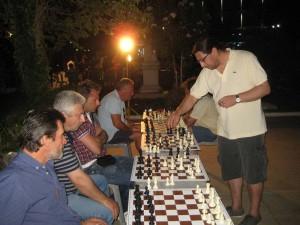 Αγώνας σιμουλτανέ (σκακιού) την Κυριακή στο Βαθύ