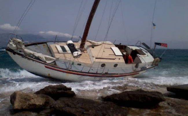 Σκάφος προσέκρουσε στην ξέρα του Σκορπιού
