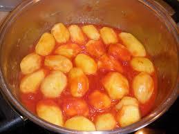 Mεγανησιώτικη κουζίνα – Οι συνταγές μας…Πατάτες γιαχνί!