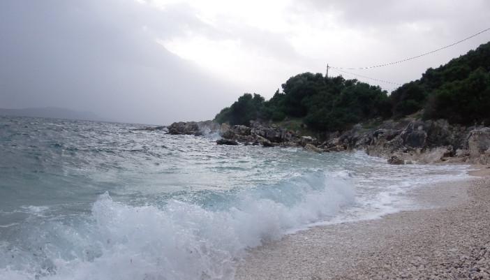 Σε απαγορευτικό  απόπλου από χτες το μεσημέρι το νησί.