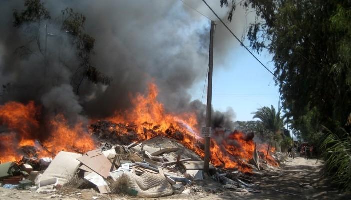 Φωτιά στον σκουπιδότοπο της Λευκάδας