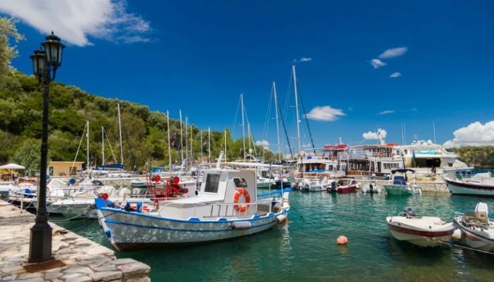 Αυτά είναι τα πέντε μικρά ελληνικά νησιά που πρέπει να επισκεφτείτε