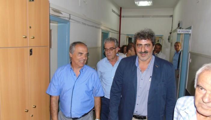 Αγωνιστική υποδοχή του αναπληρωτή υπ. Υγείας Π. Πολάκη στο Νοσοκομείο Λευκάδας