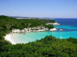 Απίστευτη πρωτιά: Ελληνικό νησί που δεν μπορείτε να φανταστείτε, στους κορυφαίους παραθαλάσσιους προορισμούς για το 2017
