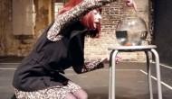 Συνεχίζεται η θεατρική διαδρομή της Τζένης Δάγλα με την «Γυάλα»