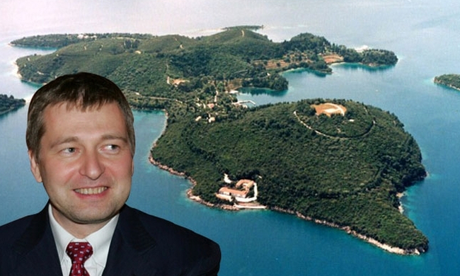 Ο Ριμπολόβλεφ πρέπει να πληρώσει 330.000 ευρώ στον δήμο Μεγανησίου για τον Σκορπιό