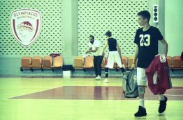Ο Δημήτρης Σκλαβενίτης στις προπονήσεις της Εθνικής Παμπαίδων U-14.