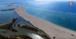 Μαγευτική πτήση πάνω από το «νησάκι του Σικελιανού» ή Άγιος Νικόλαος στην είσοδο της Λευκάδας