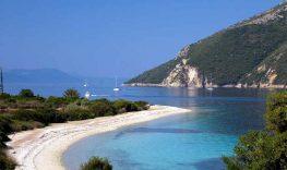 Ένα «Κρυμμένο νησάκι» 3 ώρες από την Πάτρα για να περάσετε υπέροχα !