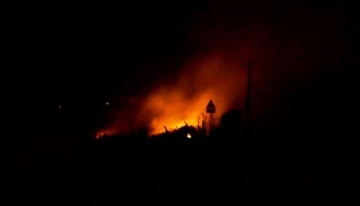 Για τρίτη μέρα καίγονται τα σκουπίδια στην Σκίζα…